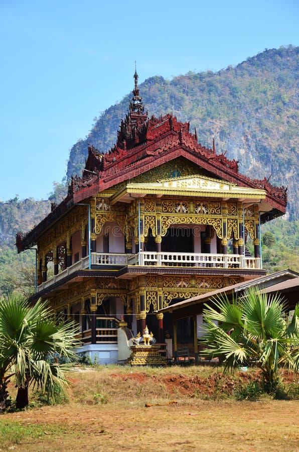 菩萨在Tai Ta Ya修道院的图象雕象 免版税库存照片
