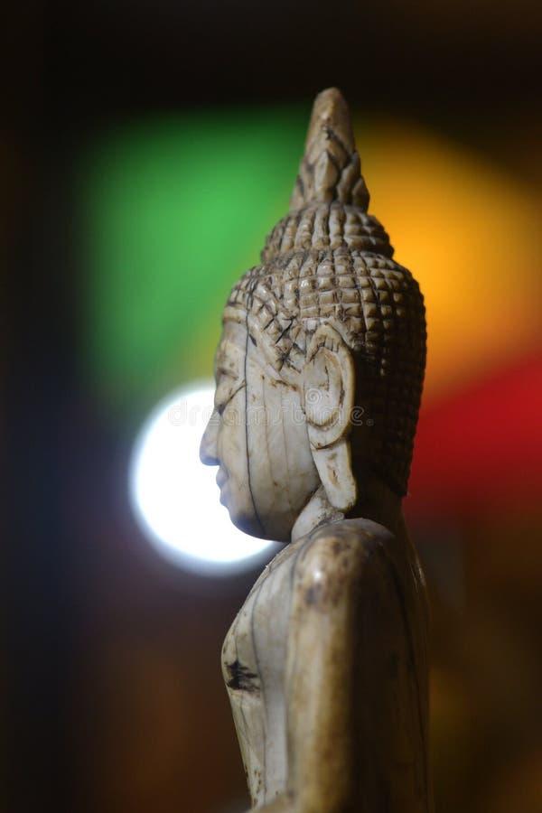 菩萨宗教寺庙明亮的颜色场面的面孔 免版税库存照片
