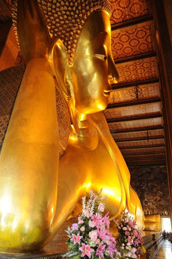 菩萨巨大的雕象 免版税库存图片