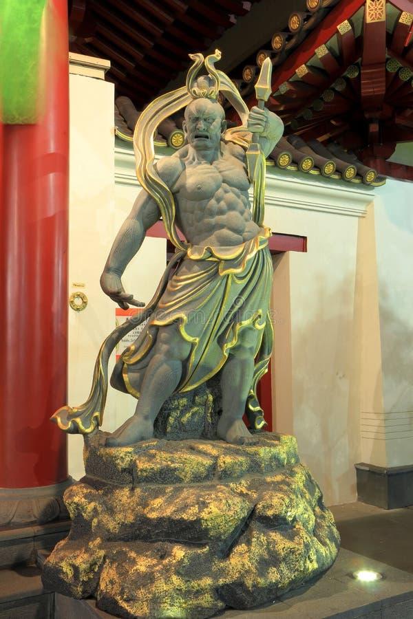 菩萨牙遗物寺庙门监护人 免版税图库摄影