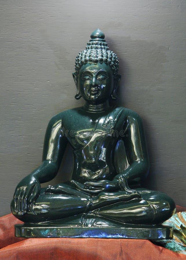 菩萨玉雕塑  免版税图库摄影