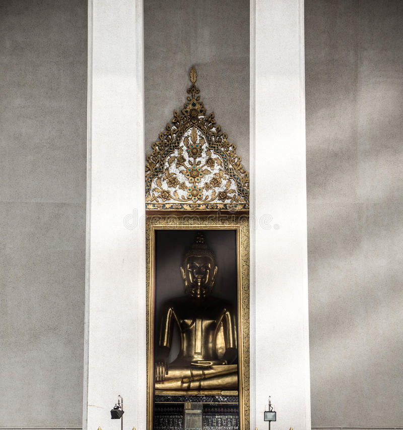 菩萨的金黄图象 免版税图库摄影