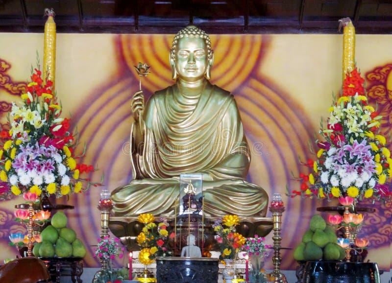 菩萨神圣的雕象 免版税图库摄影
