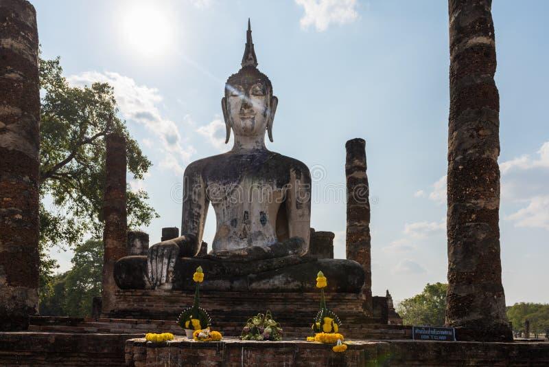 菩萨美丽的雕象在Sukhothai 免版税库存照片