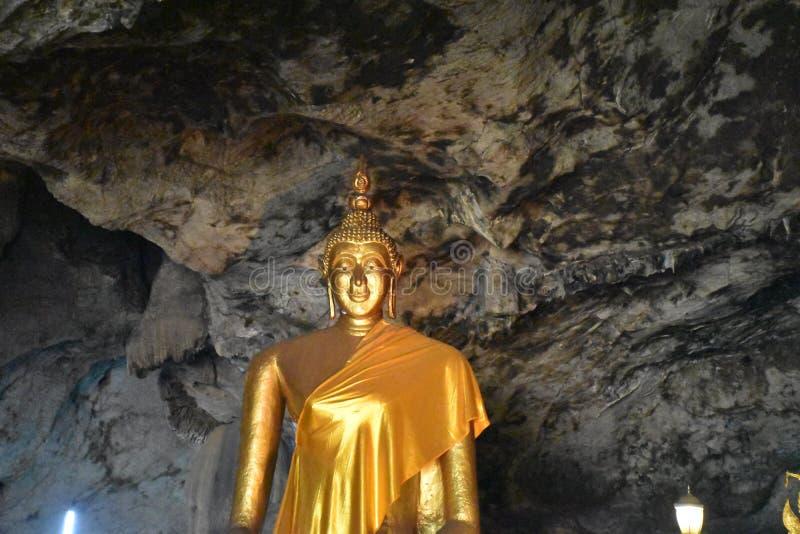 菩萨金黄雕象泰国 图库摄影
