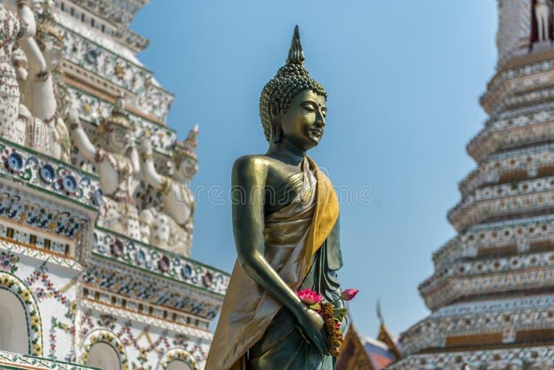 菩萨雕象在黎明寺,曼谷 库存图片