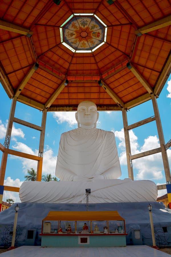 菩萨雕象在Sri Sarananda玛哈Pirivena,阿努拉德普勒,斯里兰卡 库存照片
