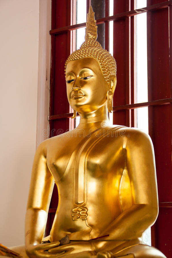 菩萨雕象在Wat Phra Si Mahathat 免版税库存照片