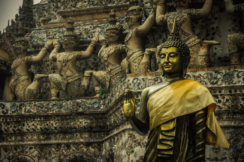 菩萨雕象,泰国样式 图库摄影