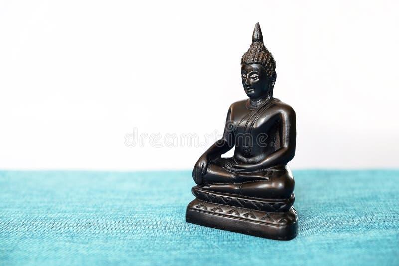 菩萨,香火, Siddhartha Gautama背景的菩萨一个装饰雕象到达了启示 符号 免版税图库摄影