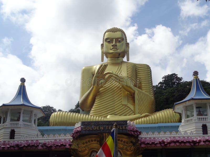 菩萨dambulla雕象在斯里兰卡 免版税库存照片