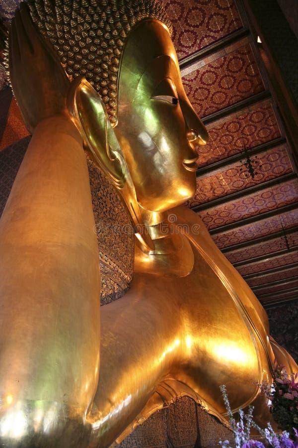 菩萨po斜倚的泰国wat 库存照片