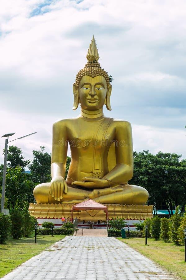 Download 菩萨satatue在泰国 库存图片. 图片 包括有 爱好健美者, 宗教, 重婚, 雕塑, 长期, 旅游业 - 72358283