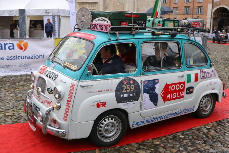 菲亚特600 multipla,Mille Miglia,历史的赛车,摩德纳,2019年5月 免版税库存照片