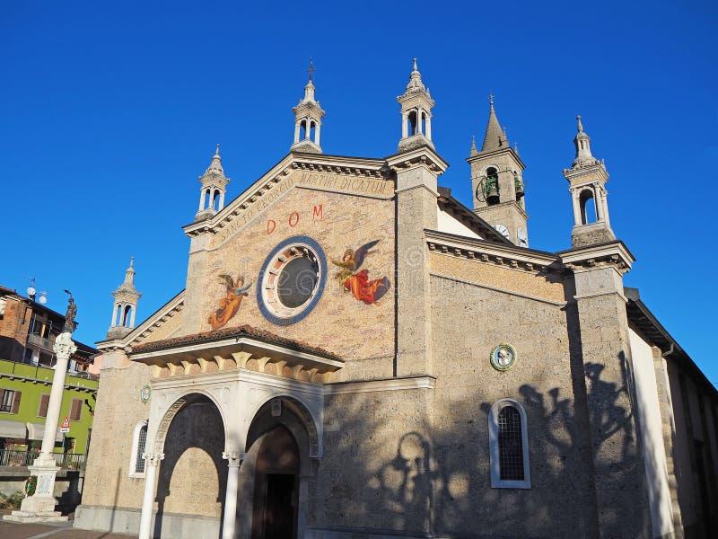菲奥拉诺阿尔塞廖,贝加莫,意大利 圣徒乔治主要教会  免版税库存照片