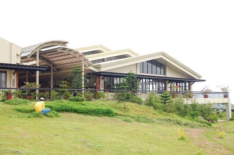 菲律宾甲米地大雅台社区改造中心CCT功能大厅正面 库存照片