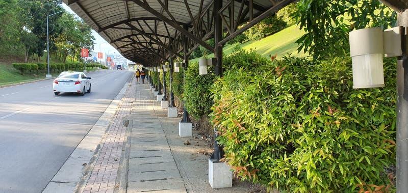 菲律宾达沃市机场出口路 免版税库存图片