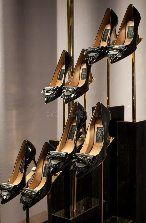 菲拉格慕妇女鞋子 库存照片