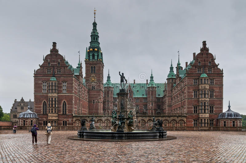菲特列堡城堡在希勒勒-多雨天气的,丹麦 免版税库存照片
