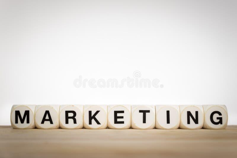 营销概念:清楚地说明的词营销 免版税库存照片