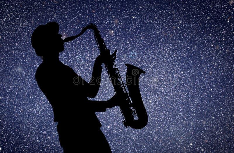 萨克斯管吹奏者 免版税图库摄影
