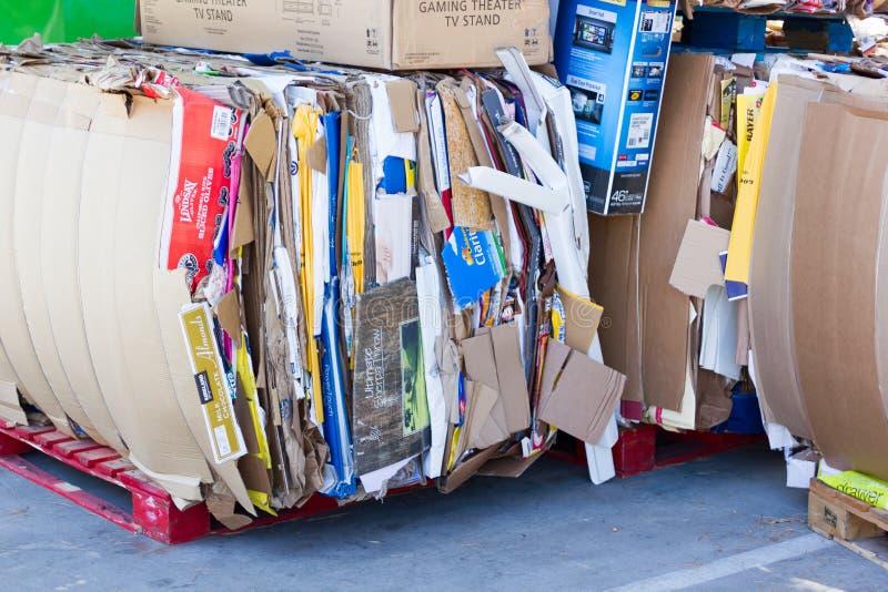 萨加门多,美国- 9月19日:9月19日的纸板垃圾, 库存图片