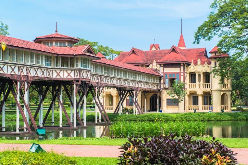 萨娜姆Chandra宫殿,欧洲城堡样式, Rama国王VI在佛统,泰国 免版税库存图片