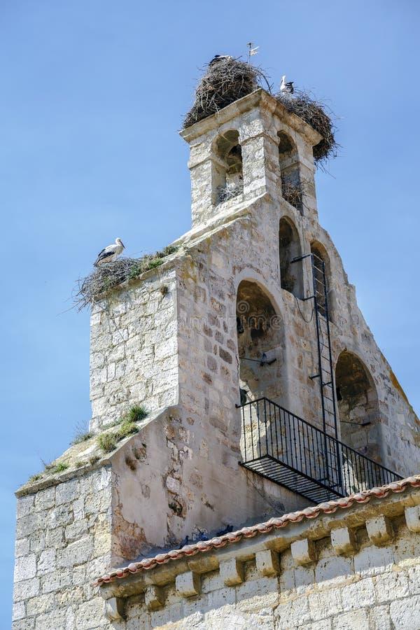萨尔瓦多的教区教堂在Monzon de坎波斯 免版税图库摄影
