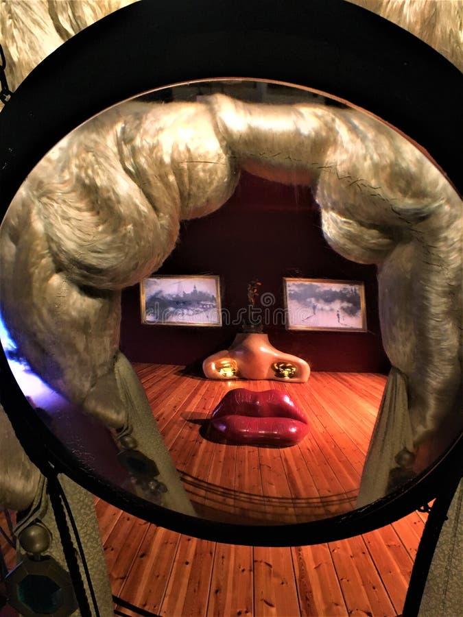 萨尔瓦多Dalì艺术家和艺术品在Dalì剧院- Musemu,菲盖尔,西班牙 免版税库存照片