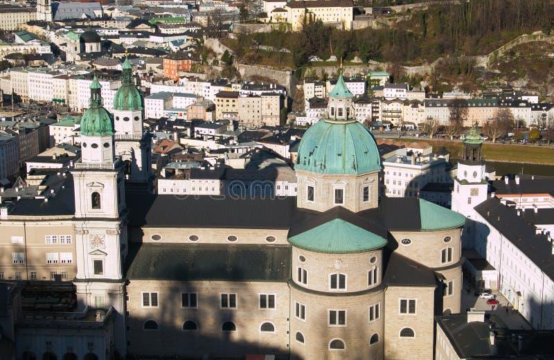 萨尔茨堡市鸟瞰图在奥地利 免版税库存图片