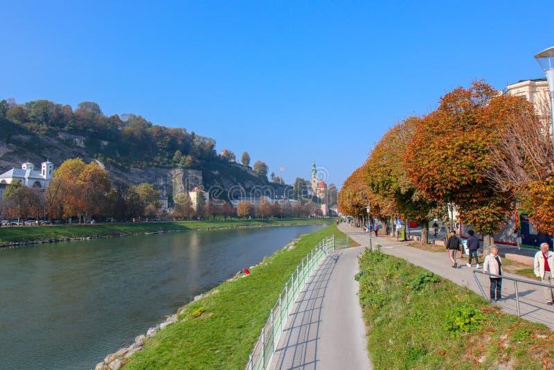 萨尔茨堡美丽的景色和Festung Hohensalzburg 库存照片