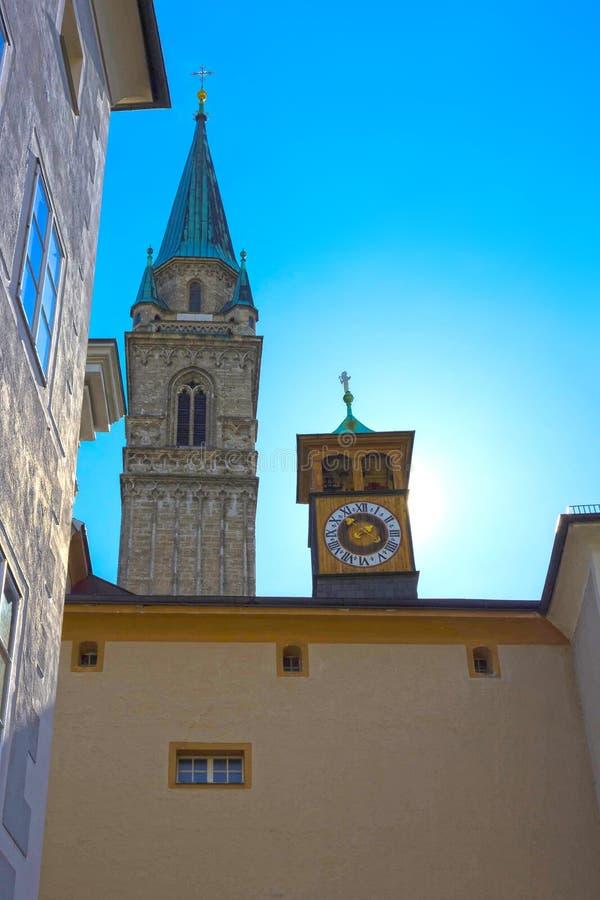 萨尔茨堡,奥地利- 2017年5月01日:老大厦在老镇萨尔茨堡 图库摄影