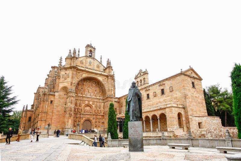 萨拉曼卡,西班牙- 10月13,2012 :16世纪教会  图库摄影