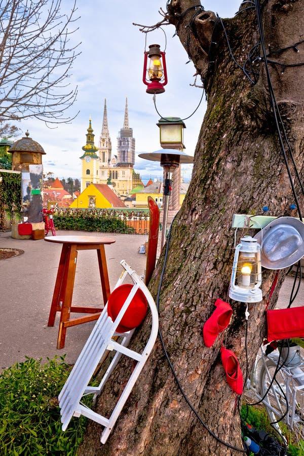 萨格勒布大教堂和都市风景出现视图 库存图片