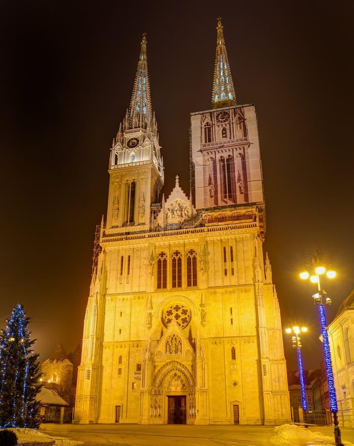 萨格勒布大教堂在晚上,克罗地亚 免版税图库摄影