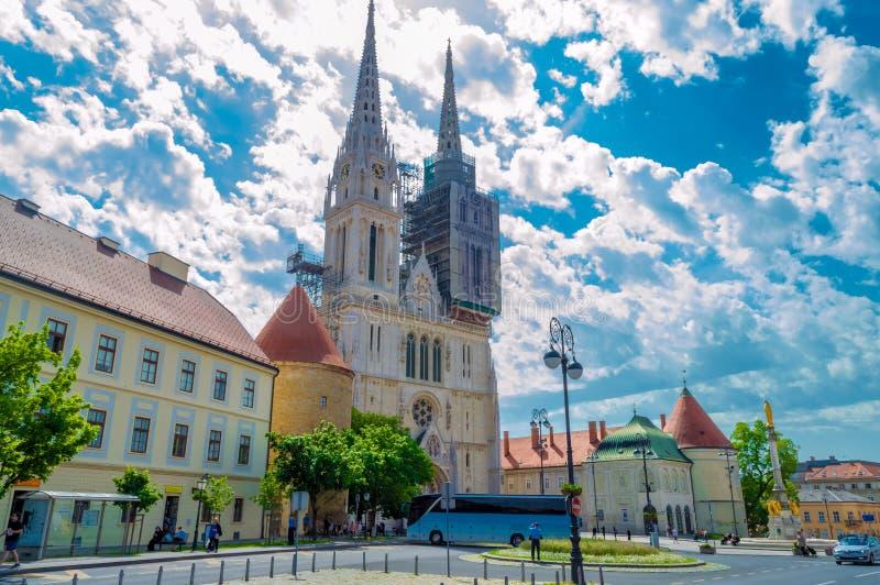 萨格勒布大教堂,经常参观由游人 库存图片