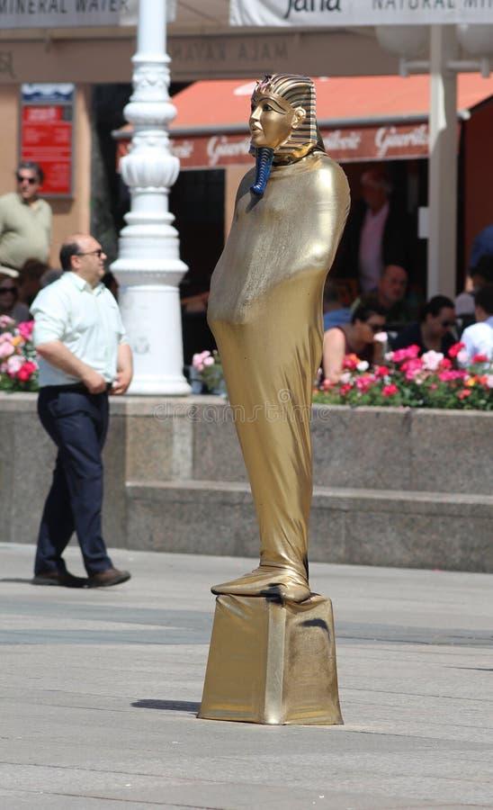 萨格勒布旅游胜地/不动的人的雕象 免版税库存图片