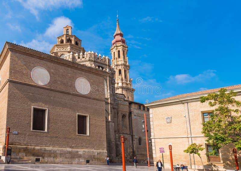 萨瓦格萨,西班牙- 2017年9月27日:救主或Catedral del萨尔瓦多的大教堂 复制文本的空间 库存图片