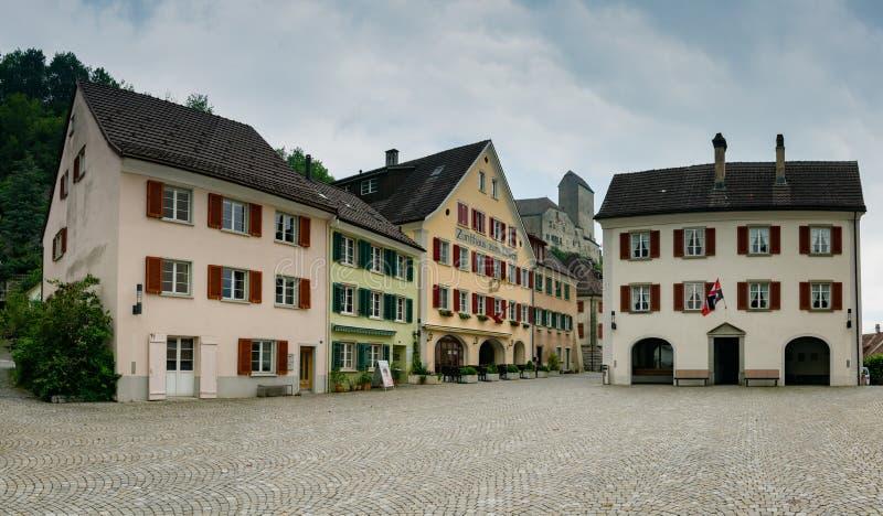 萨甘斯历史的老镇有ist后边协会房子和城堡的 库存图片