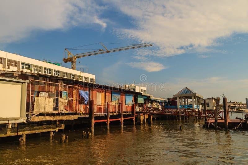 萨穆特Prakan,泰国- 2017年3月25日:地方轮渡码头 免版税库存照片