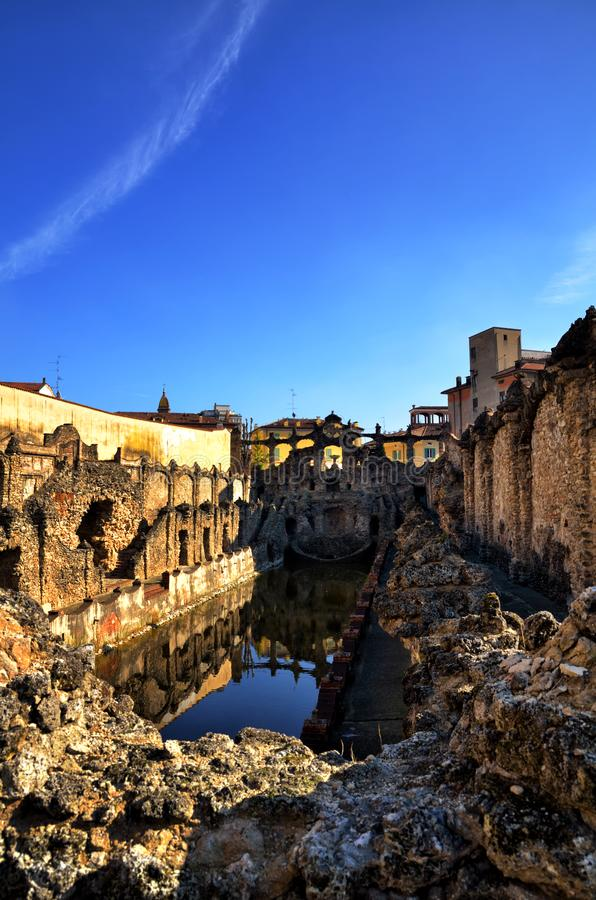 萨索罗,意大利, Este家庭,喷泉老夏天住所公爵的宫殿  免版税库存照片