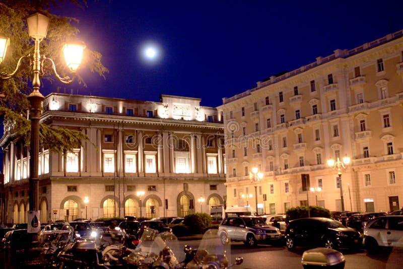 萨莱诺在晚上意大利 图库摄影