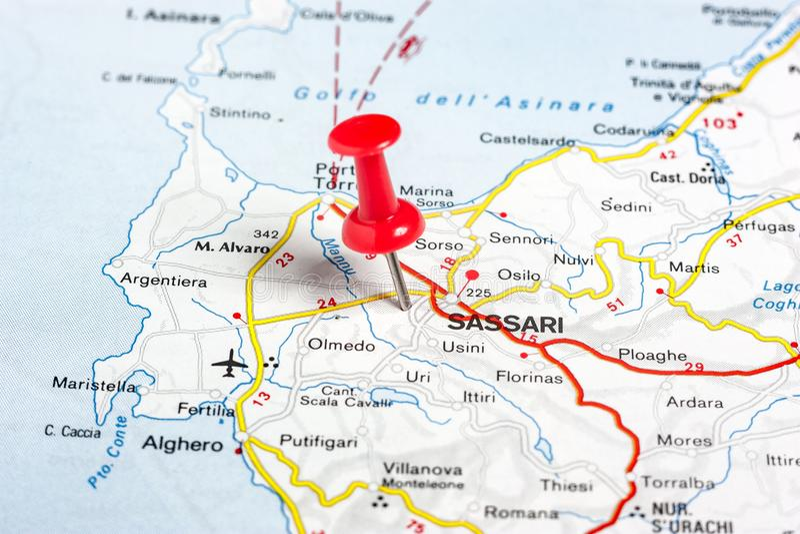 萨萨里在意大利的地图别住了 库存照片