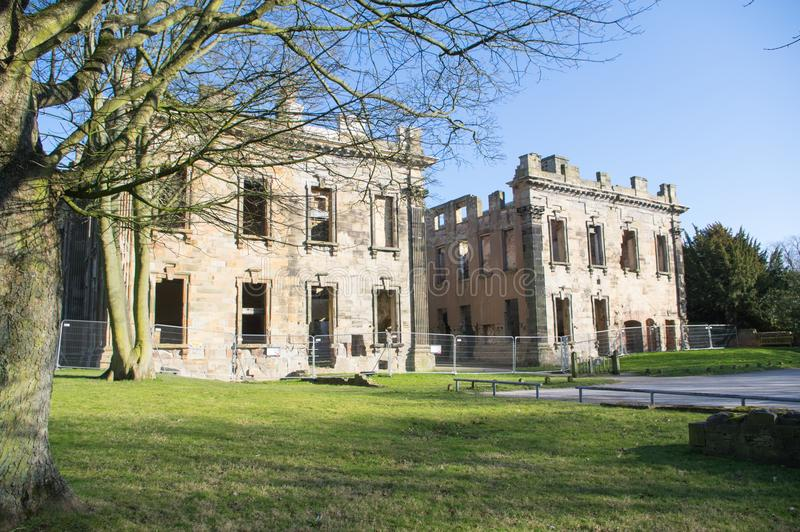 萨顿Scarsdale霍尔,英王乔治一世至三世时期废墟在切斯特菲尔德,德贝郡,英国 库存照片