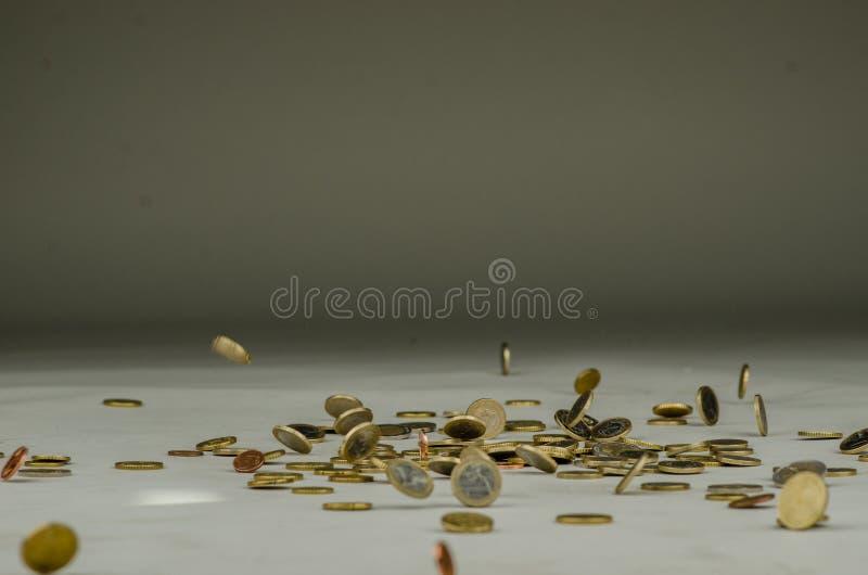 落从上面的欧洲硬币 免版税库存照片