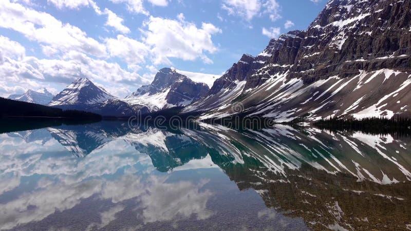 落矶山,Bow湖在班夫国家公园,加拿大 库存照片