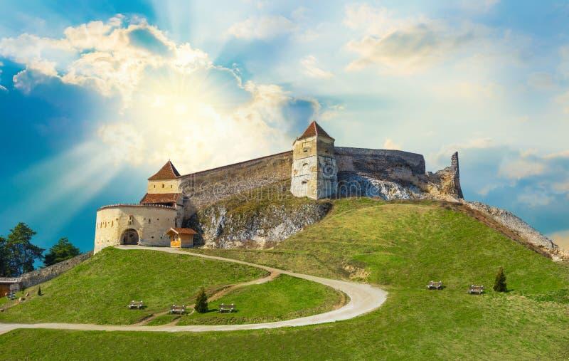 著名中世纪城堡在Rasnov 免版税库存照片