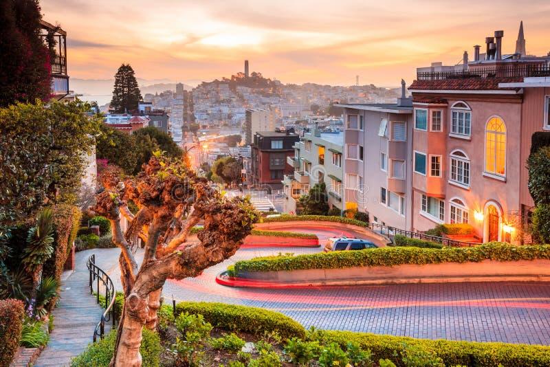 著名伦巴第街道在旧金山 库存图片
