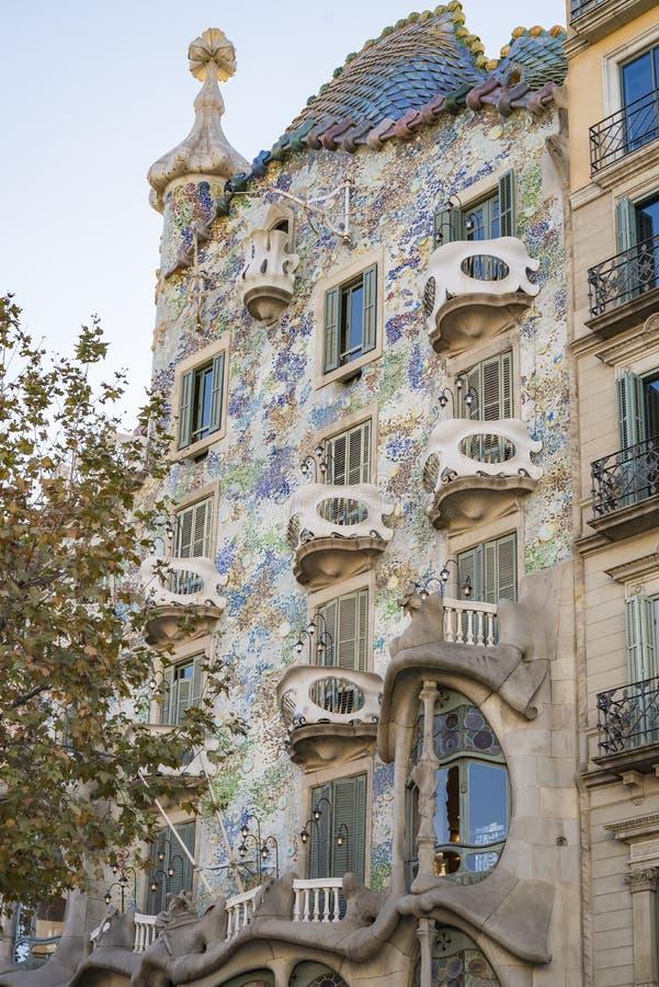 著名修造的住处安东尼・高迪Batllo的片段在巴塞罗那西班牙 库存图片