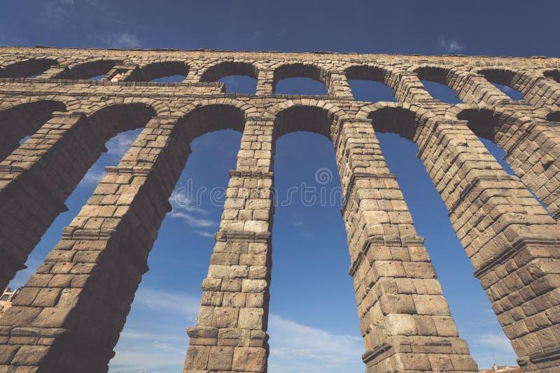 著名古老渡槽在塞戈维亚,卡斯蒂利亚y利昂,西班牙 免版税库存照片